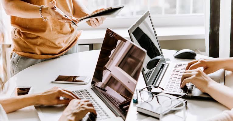 correos corporativos videoconferencia